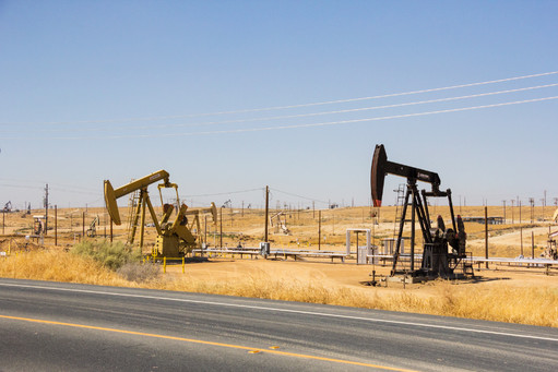 Oil pumps, Oil industry equipment, California, US