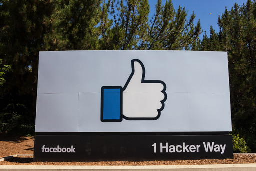 Facebook Hacker Way Street